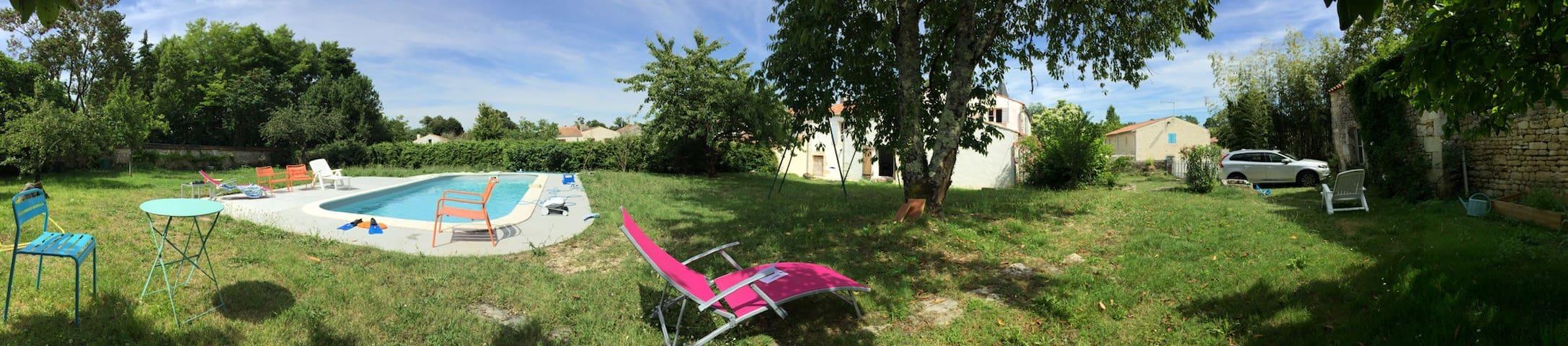 Maison spacieuse et agréable tout confort - Port-d'Envaux - Ev
