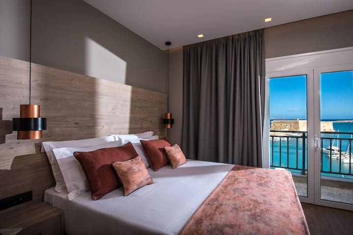 Second bedroom with sea view. Beds can be separated to create two single beds