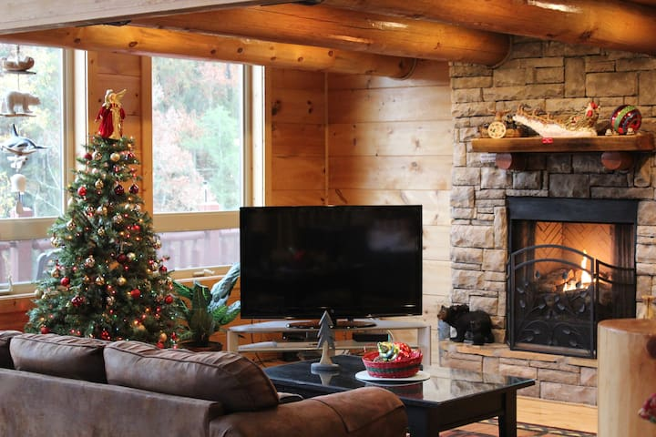 THE CABIN IS DECORATED FOR THE CHRISTMAS HOLIDAYS STARTING IN NOVEMBER