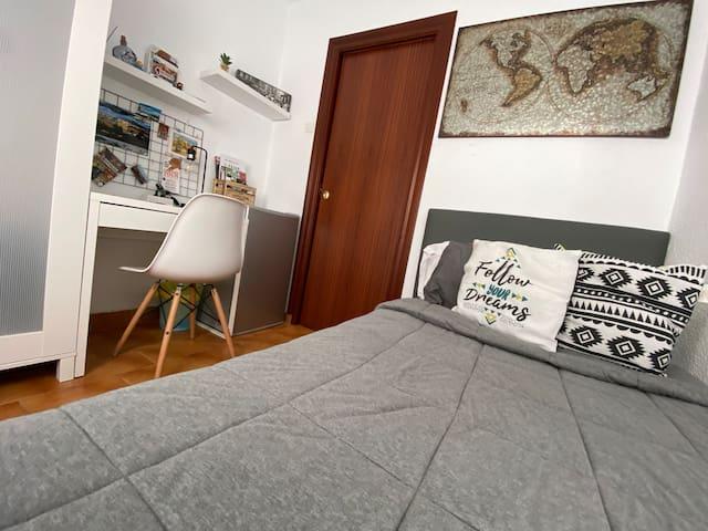 Habitación en Calle Sol - Centro Granada¦ con WIFI
