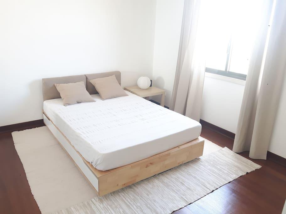 Room 1 (suite)