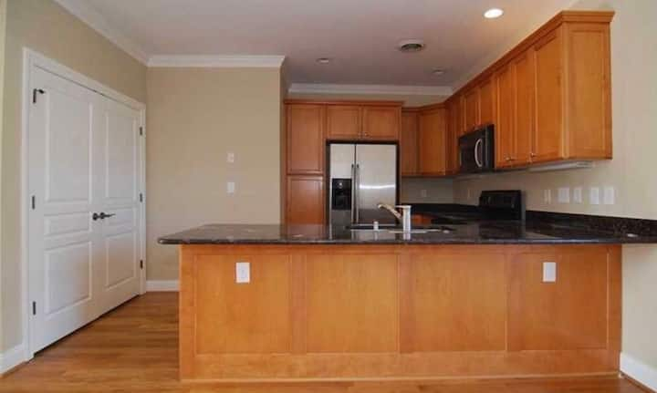 3 Bedroom Condo Downtown Near USC & Ft. Jackson