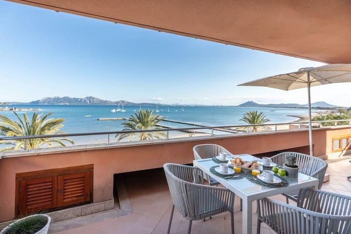 Amazing penthouse beachfront
