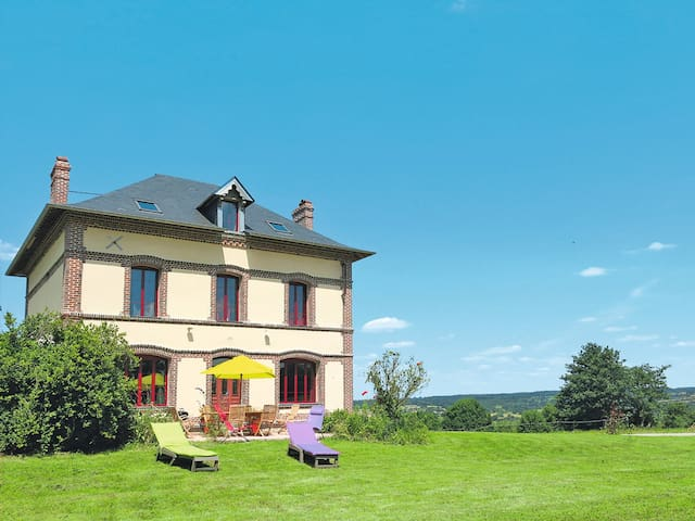 Holiday home in Coupesarte - Coupesarte - Hus