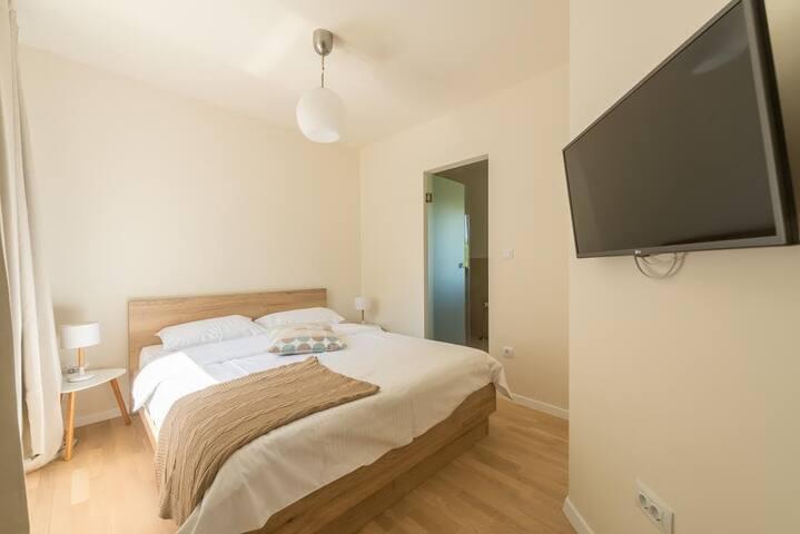 Villa Belpur | Fourth bedroom with ensuite bathroom