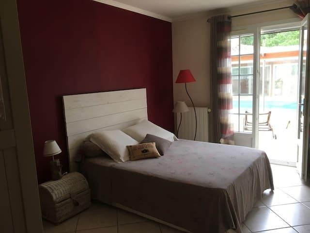 Chambre agréable - Sud de la France