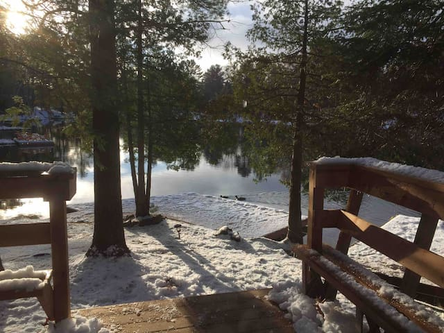 Romantic River Retreat-Only 1.5 hrs from GTA