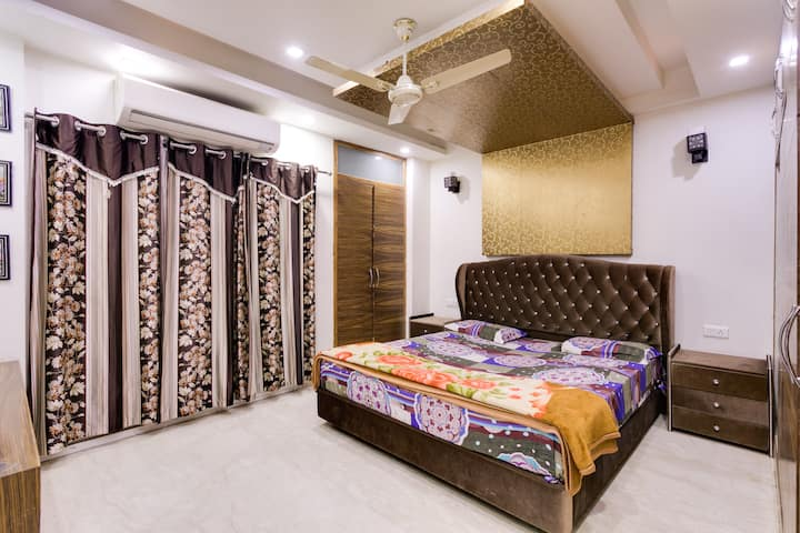 House Party★B'day★Night Outs★4BHK★Penthouse★Delhi