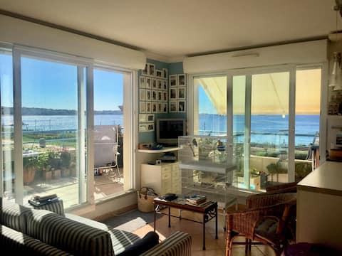 Appartement lumineux et confortable sur la mer