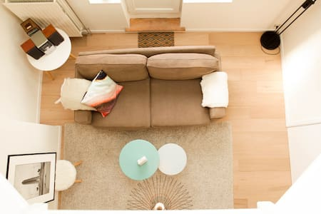 Accessible & Luminous Penthouse Apartment in Bxl - Etterbeek - Lejlighed