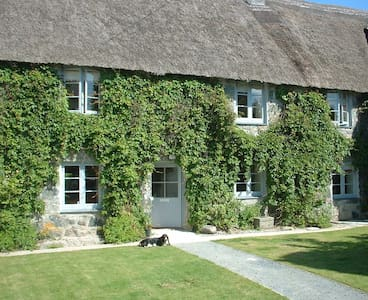 Fogou Cottage, Trelowarren Estate - Mawgan - House