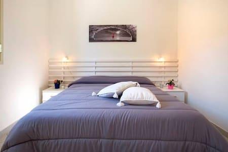 """Double Room """"B"""" in Villa """"Ventura Tailor"""" - Marina di Ragusa"""