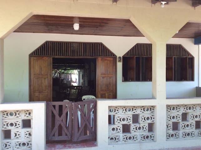 Paradise in Poneloya, Nicaragua - Poneloya - Dům