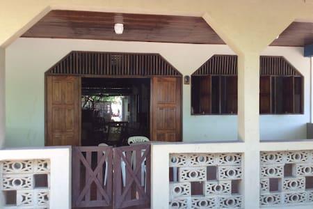 Paradise in Poneloya, Nicaragua - Poneloya - บ้าน