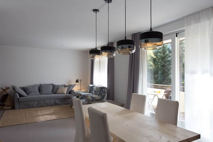Large and Charming Apartment  for 6/8 people