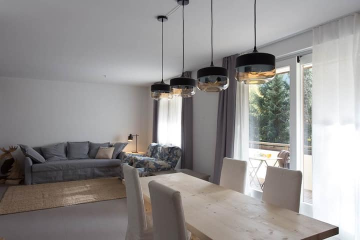 IRIS 5 -Large and Charming Apartment