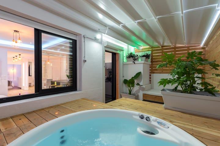 Loft avec jacuzzi sur terrasse privative