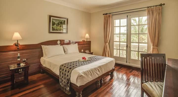 Super Room in Luxury 5 Star Hotel on Mekong River