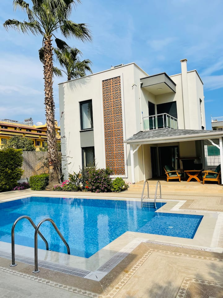 luxury villa for rent in Kemer Çamyuva