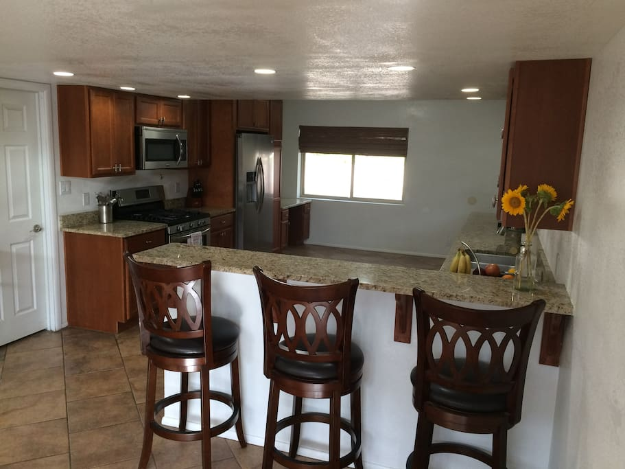 X-large kitchen with breakfast bar