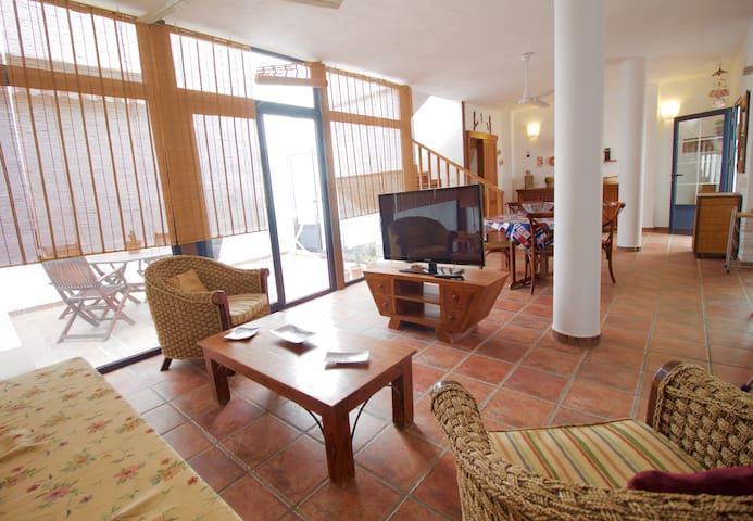 Paz y relax en un paraje natural - Caleta del Sebo - House
