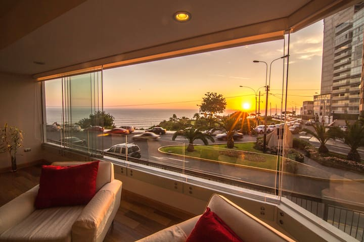 Amazing Apartment w/ OCEAN VIEW / POOL/ BBQ