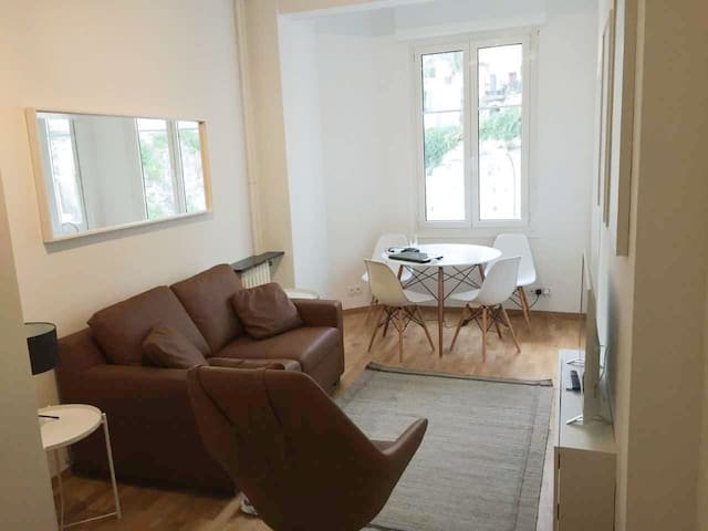 Cozy apartment in Beausoleil near the center