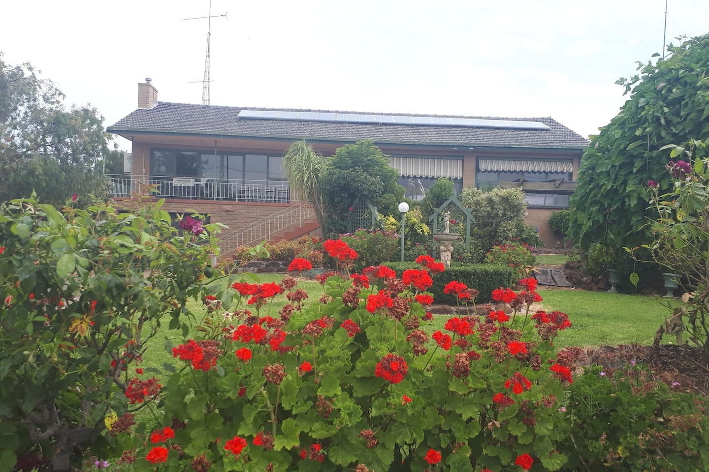 Lake Wallace House has a large balcony and lovely gardens. A great holiday house, operating year-round.