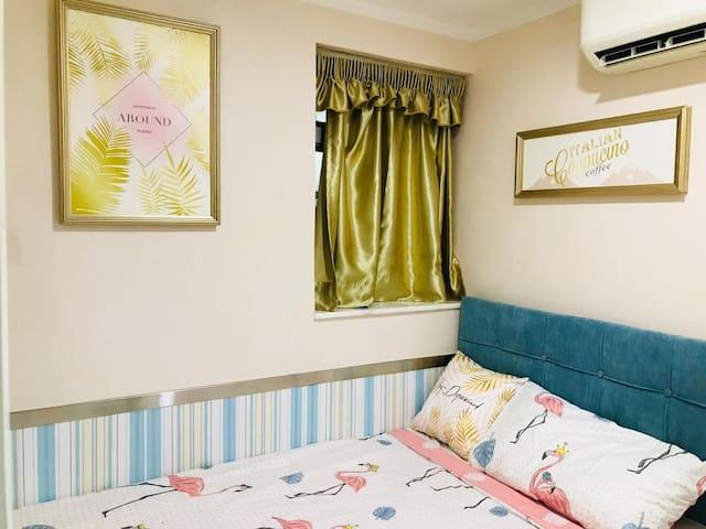 1分钟尖沙咀地铁口 干净舒适大床房 獨立衛浴  免費WIFI 空调 电视1