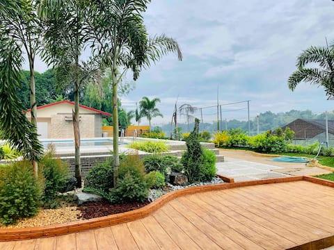 Relaxing Vacation Riverside Resort