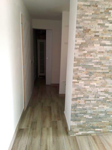 bel appartement moderne  sur Hyères