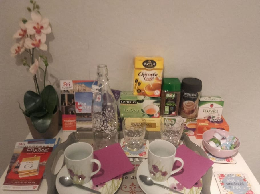 Kettle, coffee, tea, capuccino, chicorée, biscuits at your disposal