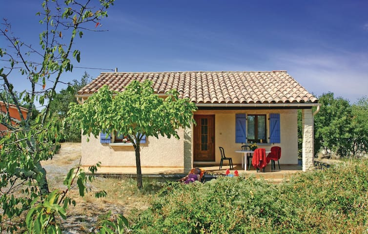Holiday cottage with 2 bedrooms on 50 m² in La Beaume