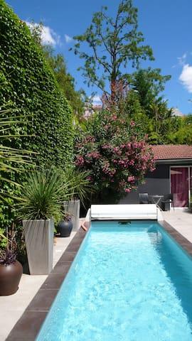 Studio indépendant dans jardin avec piscine - Bordeaux - Hus