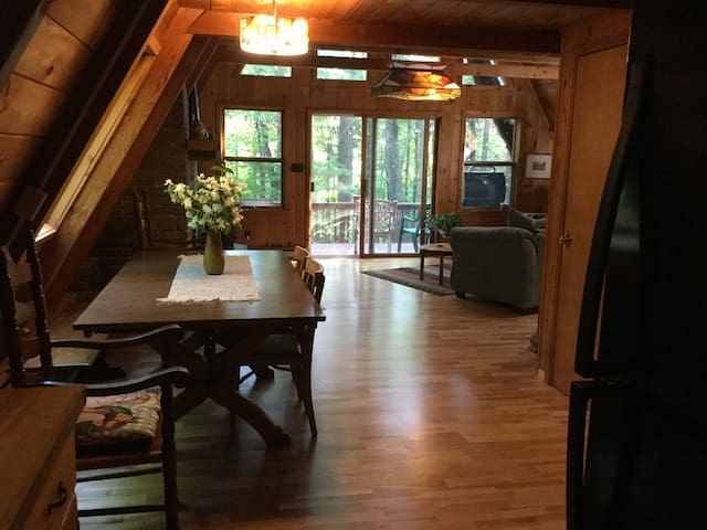 Windsong: Adirondack retreat in the trees - Jay - Casa