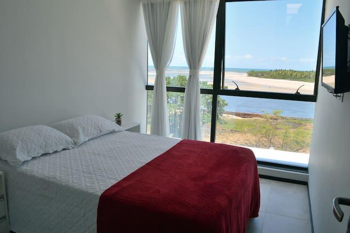 Apartamento equipado e com linda vista do mar