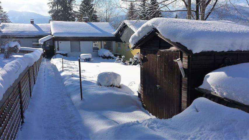 Zonnige, ruime, gezellige bungalow - Sonnenalm - Bungalow