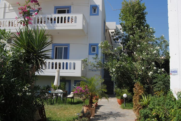 Apartment next to the sandy beach ! - Palaiochora - Apartemen