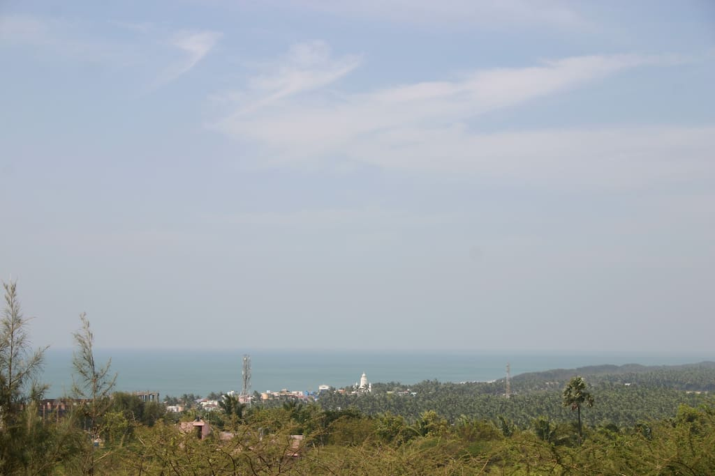 View of the Indian ocean from the roof terrace