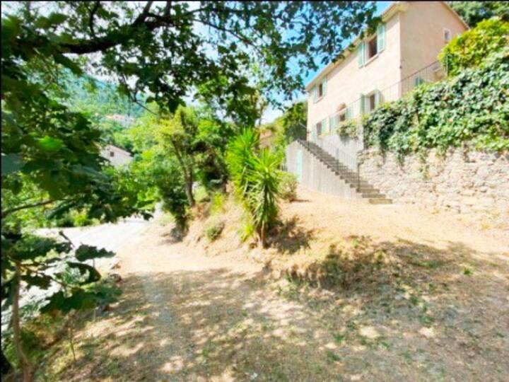 Jolie villa au coeur de la Corse (Vénaco)
