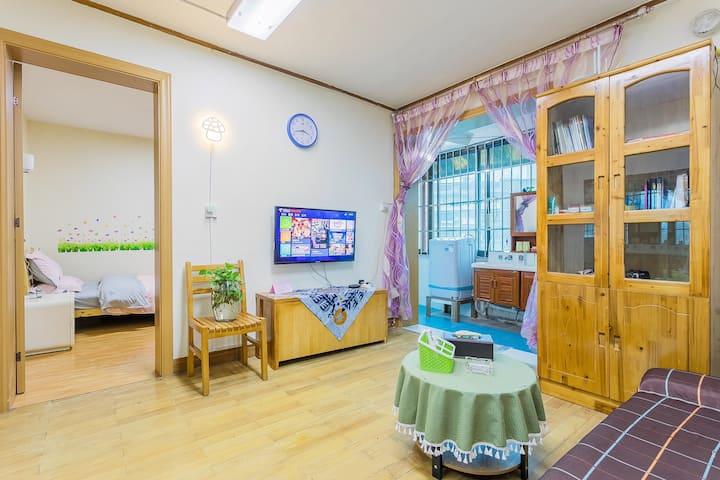 黔灵公园贵医附院地铁站省政府空调托尼温馨公寓洗衣做饭