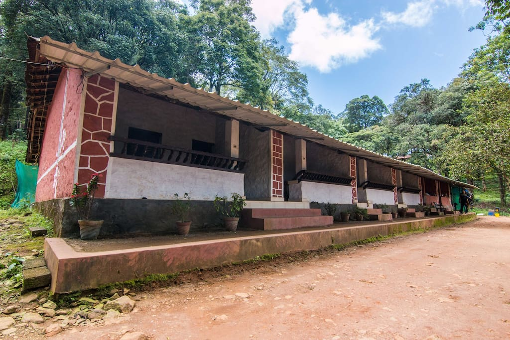 Stay at these dwellings that belonged to the estate workers of colonial times ...