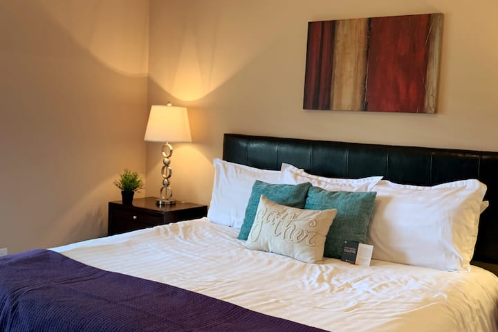 ✬✬✬✬✬ 5 STAR FURNISHED APARTMENT IN COLUMBUS