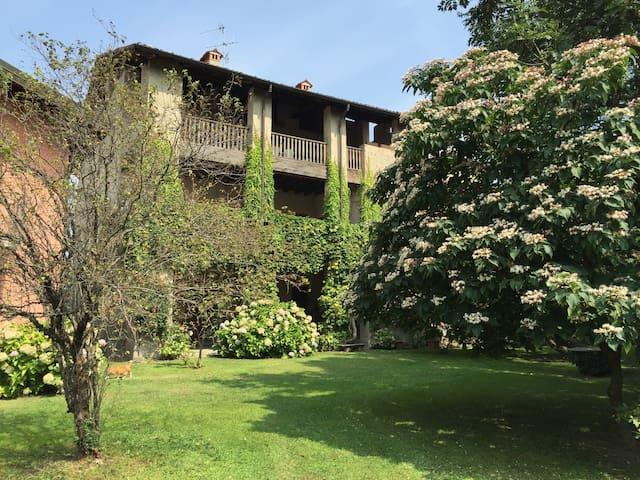 Rilassante villa nei piacevoli luoghi manzoniani - Mozzana - Villa