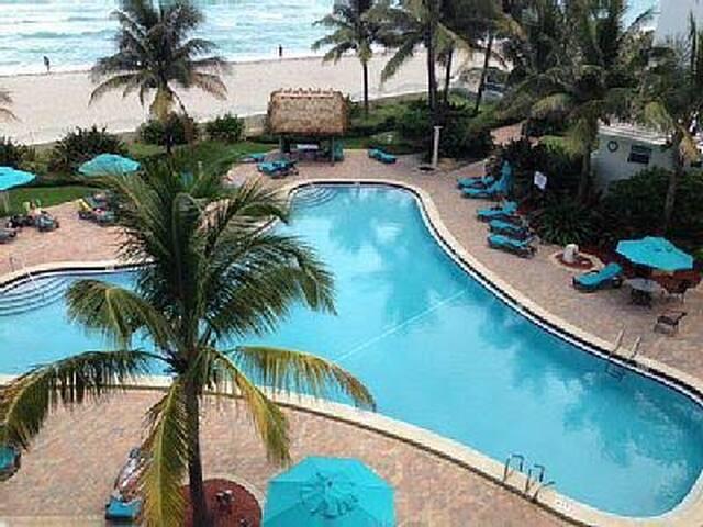 Ocean view apartment at beach resort