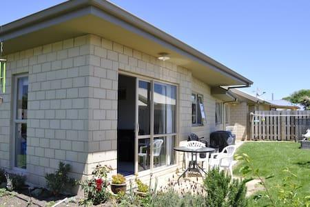 Mapua Studio on Iwa - Mapua