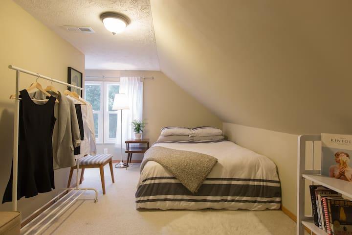 Spacious and Comfortable Benson Home - Omaha - Maison