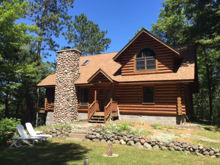 Beautiful log home in northern wisconsin cabins for rent for Wisconsin log cabin