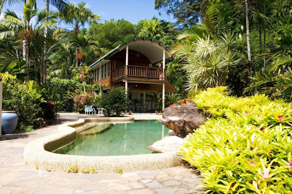 Port Douglas Private Pool Villa