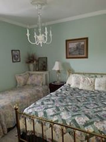 The Victorian Painted Lady Lillian's Room